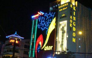 Làm biển quảng cáo quán karaoke độc đáo thu hút